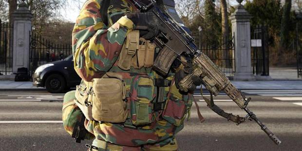 Opérations anti-terroristes: au moins deux suspects sont toujours en fuite, le parquet fédéral ne commente pas - La DH
