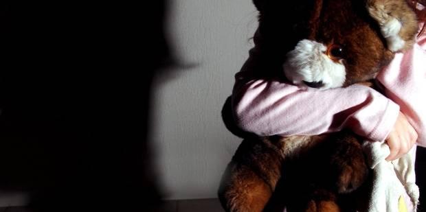 Un infirmier viole son neveu de 6 ans et un labrador - La DH