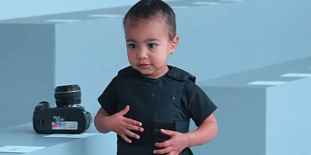 Un gilet... pare-balles ou le mauvais goût de Kanye West pour habiller sa fille - La DH