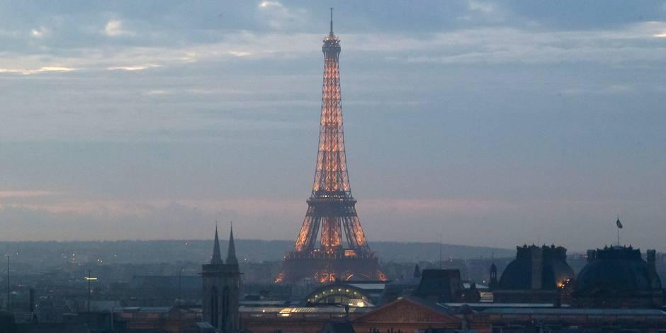 De myst rieux drones troublent la nuit parisienne la dh for Montebourg miroir