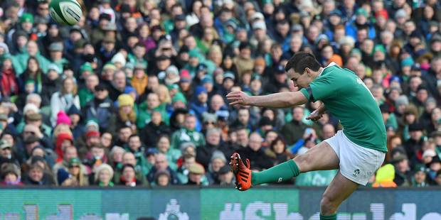 L'Irlande �touffe l'Angleterre 19-9 et reste invaincue