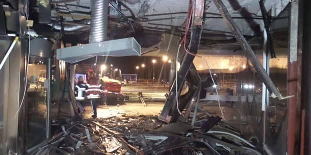 Bancontact arraché à l'aide d'un bulldozer à Montigny-le-Tilleul: un vol bouclé en 6 minutes (VIDEO) - La DH