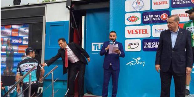 Cavendish quitte le podium en plein discours d'Erdogan - La DH