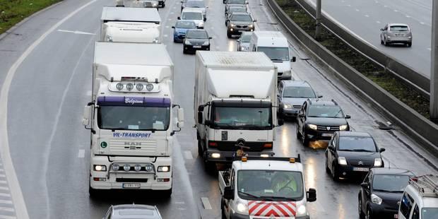 Seize kilomètres d'embouteillages sur la E411 à hauteur de Eghezée - La DH