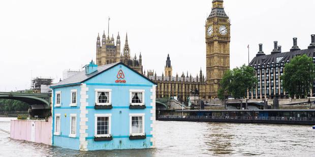 Une maison bleue au milieu de la Tamise intrigue Londres - La DH