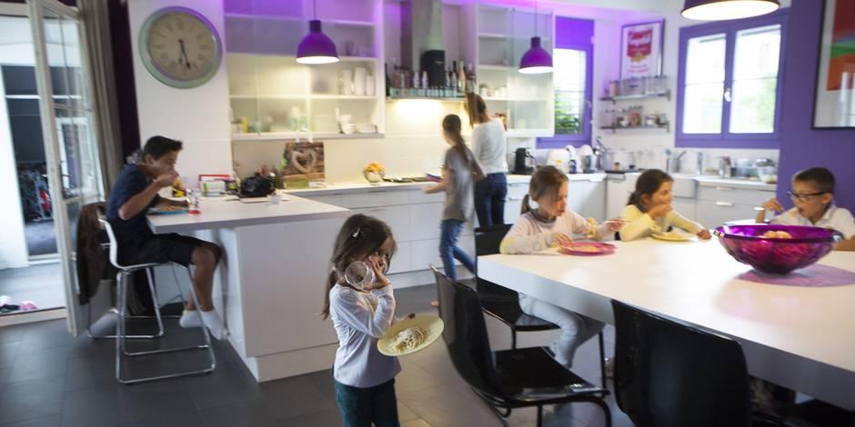 Combien devrait-on être payé quand on élève ses enfants à la maison ?