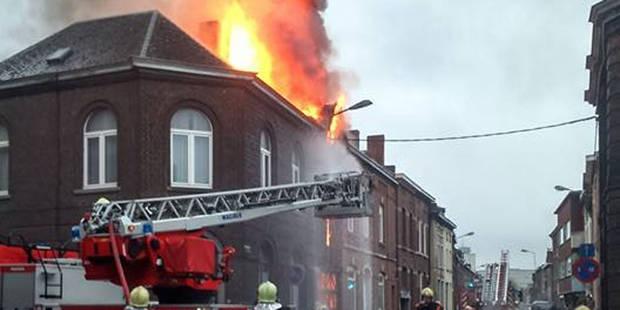 Violent incendie à Charleroi-Nord - La DH