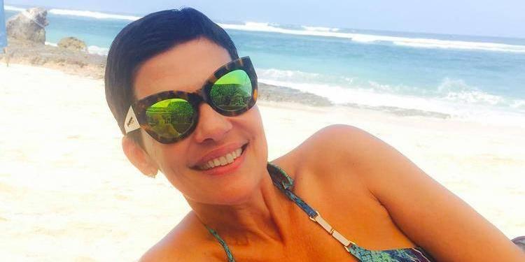 Cristina Cordula met le feu à la plage... et à Instagram (PHOTO)