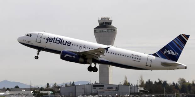 Ivre, le passager d'un avion urine sur les autres voyageurs - La DH