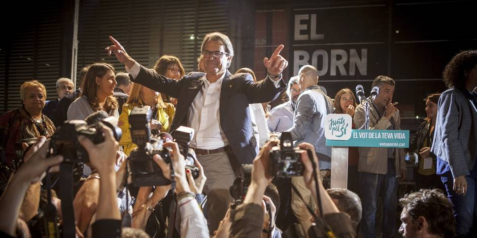 Catalogne: le président indépendantiste convoqué par la justice espagnole