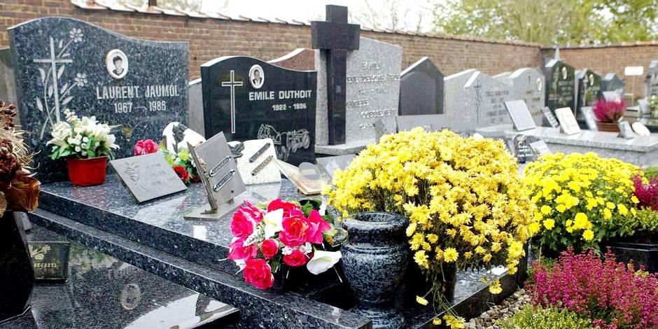 Toussaint: On importe des pierres tombales low cost d'Inde ! - La DH