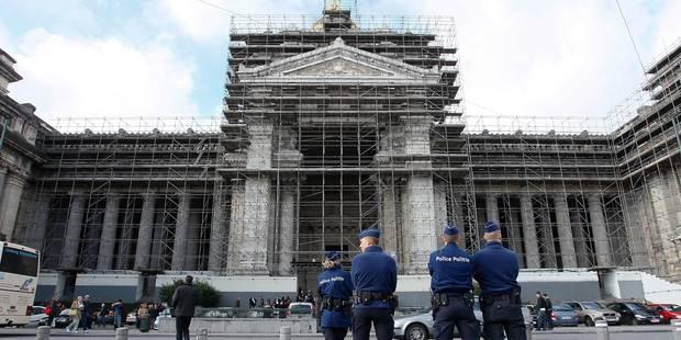 Attentats à Paris: Le Centre de crise appelle à une vigilance accrue en Belgique - La DH
