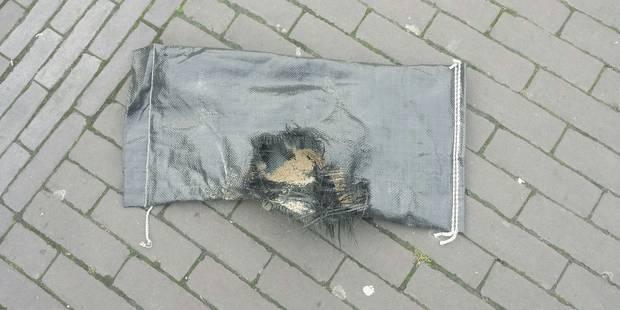 La police fait sauter le colis suspect à Etangs Noirs: il contenait du sable (VIDEOS) - La DH