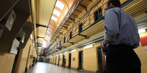 Grève des gardiens de prison: les agents pénitentiaires de Mons ont voté pour la grève au finish - La DH