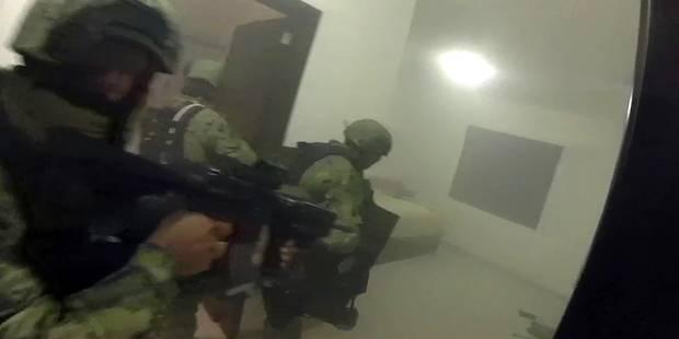 """L'impressionnante vidéo de l'assaut dans la planque de """"El Chapo"""" - La DH"""