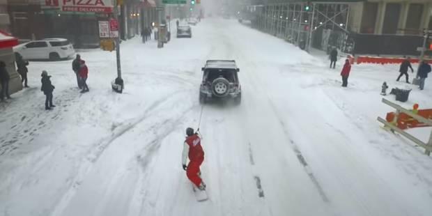 """Snowboard et autres jeux dans les rues de New York après """"Snowzilla"""" - La DH"""