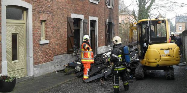 Un incendie ravage une habitation à Bois-de-Villers, l'occupant recherché - La DH