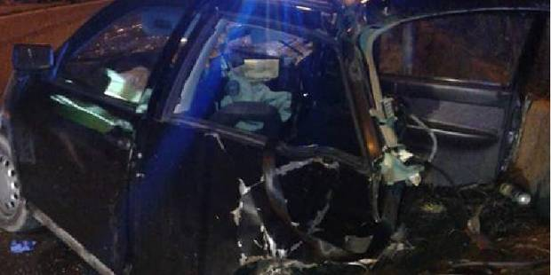Une voiture percute un muret à Hotton, le passager est grièvement blessé - La DH