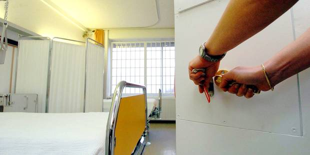Il volait dans les hôpitaux pour payer son héroïne - La DH