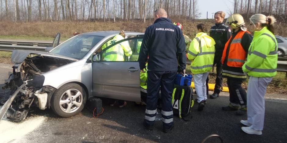Sérieusement blessée après une sortie de route à cause d'un faisan