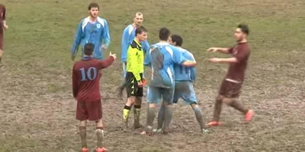 Un joueur agresse un arbitre... dont la réaction est extra (VIDEO) - La DH