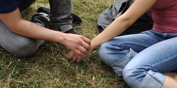Comment les jeunes vivent-ils leur sexualité au 21e siècle ? - La DH