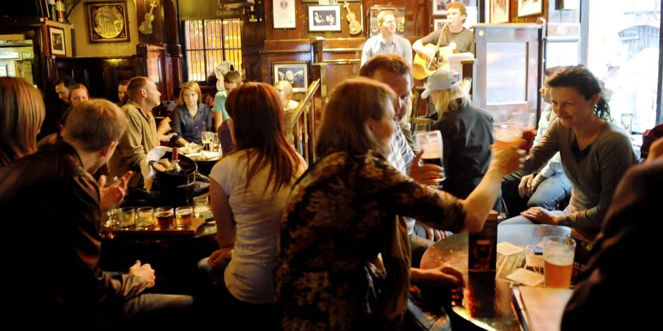 """C'est la Saint-Patrick ! 15 """"irish pubs"""" pleins d'ambiance pour la fêter en Belgique"""
