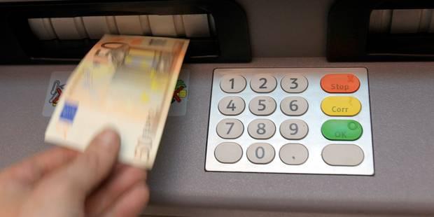 """Payer pour retirer de l'argent? PS et Ecolo disent """"non"""""""