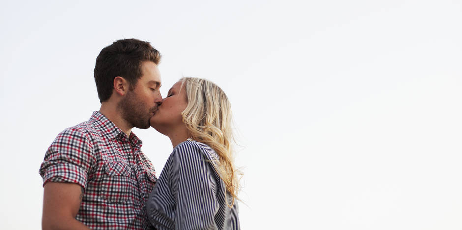 Pourquoi ferme-t-on les yeux lorsqu'on embrasse?