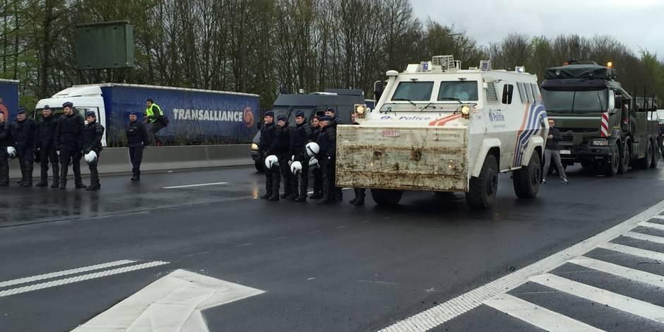 Taxe kilométrique: les barrages levés dans le calme par la police