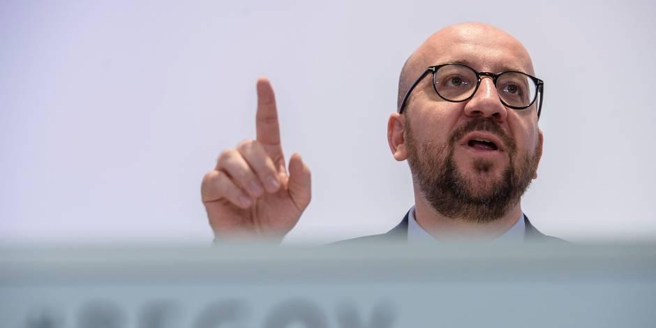 """Propos de Jan Jambon: """"Il ne convient pas de faire des généralisations"""", réclame Charles Michel"""