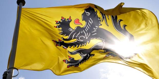 Les règles linguistiques flamandes violent le droit européen en matière de factures - La DH