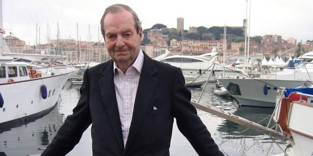 Roger Moore annonce la mort de Guy Hamilton, réalisateur de plusieurs James Bond - La DH
