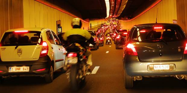 Trafic dense sur les routes: 1h45 pour faire Mons-Bruxelles, 1h40 pour Namur-Bruxelles - La DH