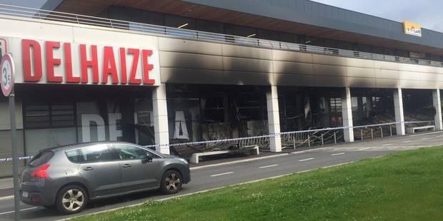 Delhaize incendié à Mouscron : le dossier renvoyé vers la France - La DH