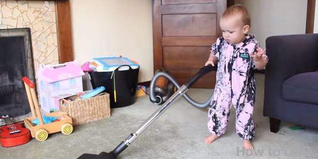 Apprendre à bébé à faire le ménage, c'est très simple ! - La DH