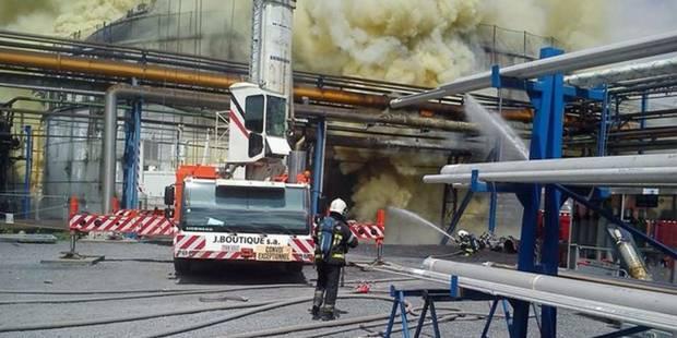 """L'incendie qui s'est produit dans une usine """"Seveso"""" à Saint-Ghislain est circonscrit - La DH"""