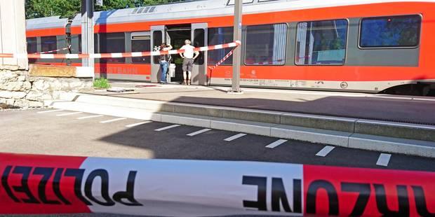 Attaque dans un train en Suisse: Le bilan s'alourdit après la mort d'une victime de 17 ans - La DH