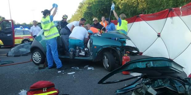 Une conductrice grièvement blessée à Châtelineau - La DH