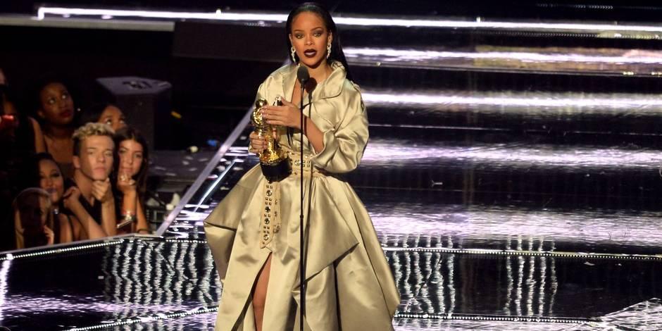Le nouveau look de Rihanna va vous étonner (PHOTO)