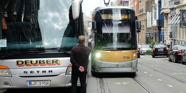Les trams trop souvent bloqués chaussée de Charleroi - La DH