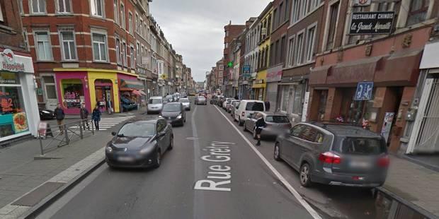 Liège: coincé sous une camionnette, un motard est dans un état critique - La DH