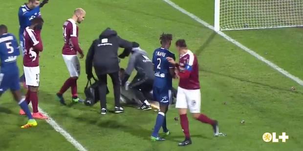 Jets de pétard sur le gardien à Metz-OL: un joueur messin répond à ses supporters sur Twitter (VIDEO) - La DH