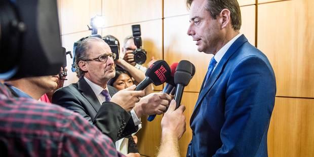 """Visa à une famille syrienne : une décision """"contraire à la loi, qui menace la démocratie"""", dit Bart De Wever - La DH"""