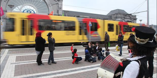 Charleroi : le métro prolonge ses horaires - La DH