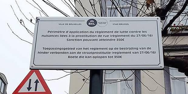 Bruxelles-Ville: installés par erreur, des panneaux anti-racolage retirés le jour même! - La DH