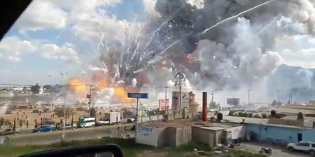"""Explosion d'un marché de feux d'artifice au Mexique: au moins 31 morts, """"des gens en flammes couraient"""" (PHOTOS + VIDEOS..."""