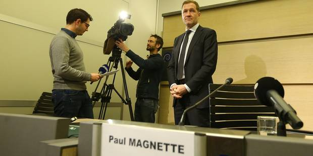 SMS et mails factices: un CETA-leaks amuse les voeux de fin d'année au parlement wallon - La DH