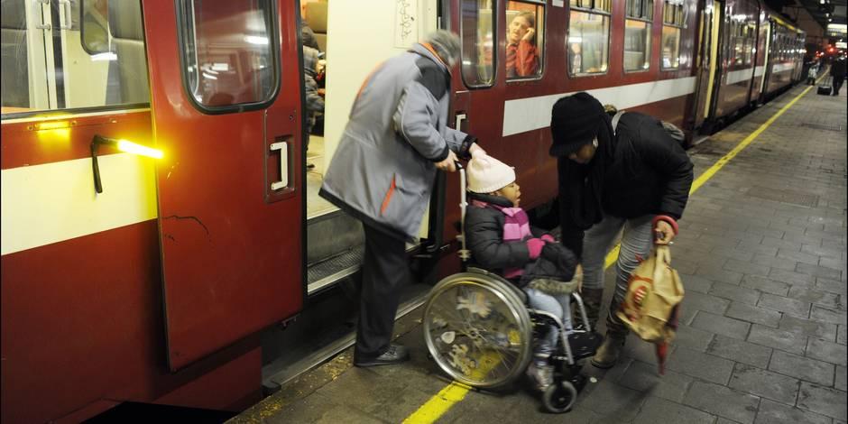 """Les handicapés oubliés de la SNCB: """"Ils achètent des trains sans penser à l'avenir"""""""