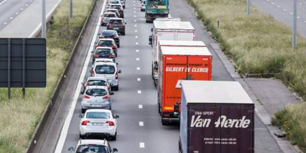 Beauraing: un accident ralentit la circulation sur la A4 - La DH